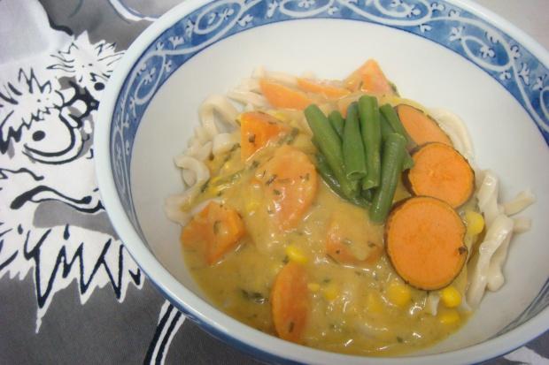 Creamy Veggie Curry Udon